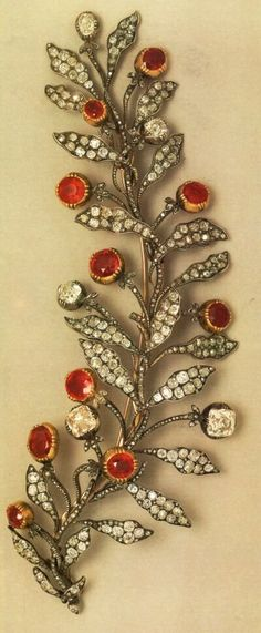 The French Crown Jewels - A diamond and ruby floral brooch that belonged to Joséphine, Empress of France, the wife of Napoleon Bonaparte. Royal Crowns, Tiaras And Crowns, Royal Jewelry, Fine Jewelry, Chateau De Malmaison, Antique Jewelry, Vintage Jewelry, Empress Josephine, Crown Jewels
