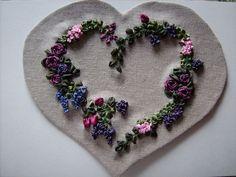 Coeur brodé (broderie au ruban)