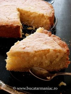 Cake with rice and milk Best Italian Recipes, Recipe Boards, Cornbread, Food And Drink, Milk, Cheese, Cake, Ethnic Recipes, Desserts