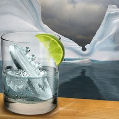 Icebergs ahoy! Our Titantic ice cube tray is an unsinkable addition to your next party. Thisice tray contains four icy Titanic ships and four menacing icebergs.