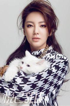 Zhang Yuqi in Self (China) magazine Feb 2013