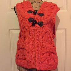 Free People sweater vest Super cute chunky knit sweater vest. Wool, acrylic and nylon blend. Great preloved condition! BUNDLES OF 5 OR MORE ITEMS ARE 50% OFF! **listing will have to be done manually since posh only allows up to 30% on their bundle feature. Lmk if you're interested in this deal and I'll make you a listing for 50% off!❣ Free People Sweaters Cardigans