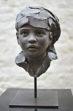 Chloé Sontrop, Child of the desert - Sculpture Head, Sculptures Céramiques, Bronze Sculpture, Ceramic Sculpture Figurative, Figurative Art, Statue En Bronze, Art Gallery, Sculpture Projects, Toy Art