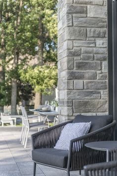 Rinox innovates to offer the newest and most natural looking product on the market with the Londana Stone. This innovative stone adds prestige and distinction to any home. Contemporary Classic, Outdoor Furniture Sets, Outdoor Decor, Classic Style, Decor Ideas, Homes, Patio, Stone, Home Decor