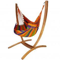 Hangstoel met houten standaard