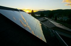 One out of 50 new US jobs in 2016 was in the solar industry