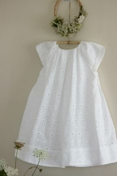 Photo - Her Crochet Frocks For Girls, Little Girl Outfits, Toddler Girl Dresses, Girls Dresses, Girls Frock Design, Baby Dress Design, Kids Dress Wear, Kids Gown, Baby Frocks Designs