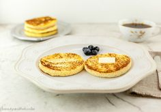 These quick paleo english muffins are a fast, low carb, paleo, grain free, life saver in the morning. Paleo Bread, Low Carb Bread, Low Carb Keto, Paleo English Muffin, English Muffins, Low Carb Breakfast, Ketogenic Breakfast, Breakfast Recipes, Breakfast Menu