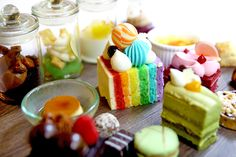 """[NEW] D9 Cakery – Endless Saturday High Tea At Hilton Singapore. DFD Promo At $60++ For 2 http://danielfooddiary.com/2017/03/16/d9cakery/ FREE FLOW artisanal desserts, signature Hilton cheesecakes, freshly baked scones, Teppanyaki ice cream, Swiss Raclette cheese, pulled pork sliders, coffee, selection of TWG tea and more. Quote """"DFDD9TEA"""" to enjoy the Endless Saturday High Tea at $60++ for 2 persons. Limited to first 50 bookings. Prior reservations required. Video Highlights…"""