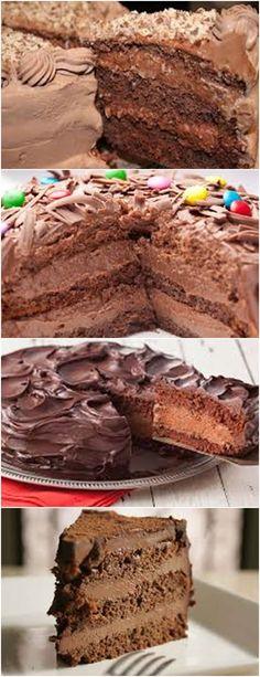 BOLO MOUSSE DE CHOCOLATE , MARAVILHOSO !! VEJA AQUI >>> Leve ao lume em banho maria, a manteiga e o chocolate. #BOLOMOUSSEDECHOCOLATE#BOLOMOUSSE#BOLO#CHOCOLATE#