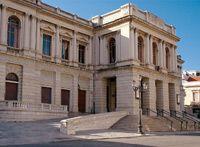 Teatro Cilea  La storia del teatro reggino affonda le radici negli anni '20. La struttura vanta una tradizione fastosa, ospitò anche Maria Callas, e fu progettata e realizzata proprio sul finire del secondo decennio dello scorso secolo.