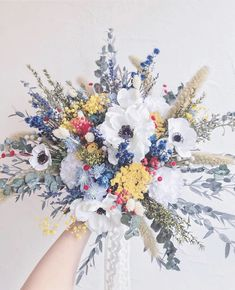 Floral Bouquets, Wedding Bouquets, Floral Wreath, Dried Flower Bouquet, Dried Flowers, Bunch Of Flowers, Love Flowers, White Wedding Flowers, Floral Wedding