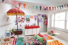 Different garlands to make a chiderens room even happier