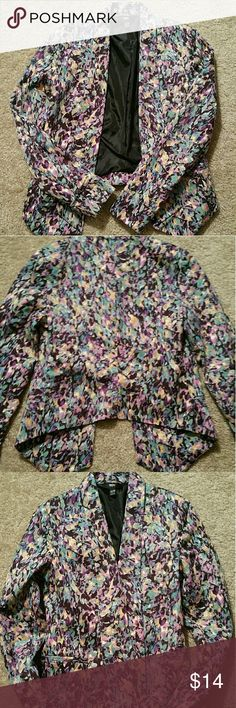 """Mossimo jacket Super cute versatile jacket! Abstract pattern with lots of colors to match so much in your closet. 2 horizontal pockets for decor. Full black lining. ~24"""" collar to front hemline ~19""""  collar to back hemline ~XS - made with cotton and spandex Mossimo Jackets & Coats"""