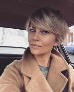 Good Photographs 50 Hottest Pixie and Bob Hairstyles for 2019 Suggestions Who created the Bob hairstyle? Bob has been leading the league of development hairstyles for decades bob hairstyles thin fine hair brown Pelo Pixie, Choppy Bob Hairstyles, Short Thick Hairstyles, Short Blonde Haircuts, Trending Hairstyles, Bridal Hairstyles, Indian Hairstyles, Easy Hairstyles, School Hairstyles