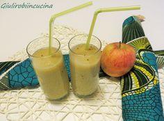 Frullato con mela banana e kiwi Il frullato con mela banana e kiwi è una merenda salutare e dissetante, ottima nei periodi primaverili ed estivi!
