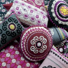 Luxury cushions, handmade throws, quilts & made to order rugs from interior designer Niki Jones. Luxury Cushions, Pink Cushions, Diy Pillows, Decorative Pillows, Fibre And Fabric, Deco Boheme, Textiles, Motif Floral, Bohemian Decor