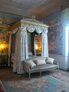 One of the bedrooms in the State Rooms at Harewood House Harewood House Leeds, Royal Room, Belton House, State Room, Grand Homes, Historic Homes, Dream Bedroom, Bedroom Decor, Modern Bedroom