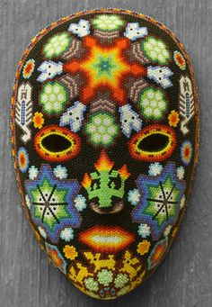 huichol mask... gorgeous beadwork! Yarn Painting, Dot Art Painting, South American Art, Native American Art, African Masks, Gourd Art, Mexican Art, Pony Beads, Aboriginal Art