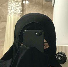 Hijabi Girl, Girl Hijab, Hijab Outfit, Niqab Fashion, Muslim Fashion, Cool Girl Pictures, Girl Photos, Selfies, Hijab Hipster