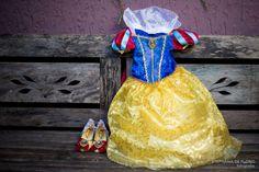 Festa de Aniversário da Branca de Neve, Inspiração, Snow White Theme Party inspiration Stephânia de Flório www.stephaniadeflorio.com.br stephaniadeflorio@hotmail.com Snow white costume, fantasia da branca de neve, roupa, vestido, dress, shoes, sapato, sapatinho