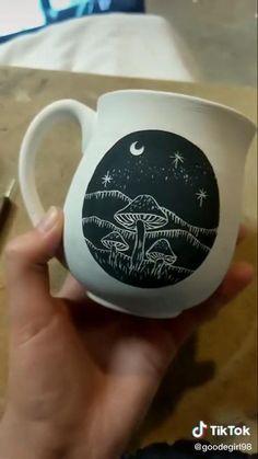 Ceramic Clay, Ceramic Pottery, Pottery Art, Ceramics Pottery Mugs, Painted Pottery, Hand Painted Ceramics, Clay Art Projects, Ceramics Projects, Clay Crafts
