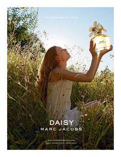 Marc Jacobs Daisy perfume, floral fragrances for women Parfum Marc Jacobs, Anuncio Perfume, Perfume Adverts, Perfume Hermes, Daisy Perfume, Ad Photography, Colour Photography, Summer Photography, Hair