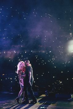 "Beyoncé performing ""Drunk in love"" with Jay Z at The Formation World Tour"