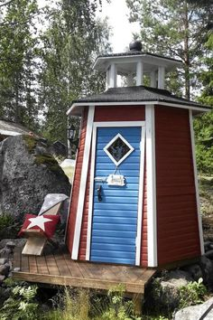 If youve got a cottage on an ocean or large lake (or even if you just like the nautical theme) this hexagonal privy has all the charm of the sea with none of the motion sickness. Garden Lighthouse, Outhouse Bathroom, Outdoor Toilet, Outdoor Bathrooms, Portable Toilet, Outdoor Living, Outdoor Decor, Shed Storage, Shed Plans