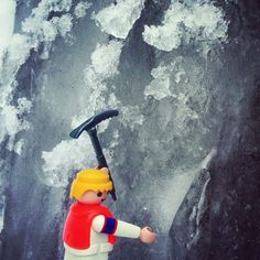 """And don't forget your helmet, dear!"" #playmobil #playmo #playmobil_ct #toys #toy #toyphotography #snow #ice #climbing #iceclimbing #winter #wintersports #fun #winterfun #sports #cold"
