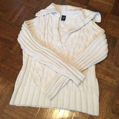 ☃ Gap Cable Knit Sailor Sweater ❄️ Super cute heavyweight cable knit sweater has a v-neck sailor collar  Cream color in a size small Made of 60% cotton & 40% acrylic I may have worn it twice Excellent, like new condition GAP Sweaters V-Necks