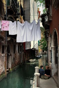 another picture postcard from Venezia Sestiere San Marco Venezia Italia Croquis Architecture, Places Around The World, Around The Worlds, Places To Travel, Places To Go, Belle Photo, Naples, Italy Travel, Wonders Of The World