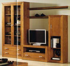 Composición modular nº 1: Composición modular compuesta por: 1.- Vitrina de 2 puertas y 2 cajones de 200x100x37 cms. 1.- Módulo TV de 1 hueco y 1 cajón de 50x100x50 cms 1.- Módulo 1 puerta (se puede poner en la parte de arriba o de abajo) de 151,5x50x37 cms. 1.- Estante de pared de 100x20x18 cms. Está fabricada en madera maciza alistonada de pino y banizadas en color cerezo. Se trata de unos KIT de muy fácil montaje y con instrucciones claras.
