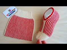 scroll down and click 'show tutorial'.there are several videos there Simple Folded Slippers Tutorial - Design Peak.scroll down and click 'show tutorial'.there are several videos there Knitting Blogs, Knitting Stitches, Knitting Socks, Knitting Patterns Free, Knit Patterns, Baby Knitting, Knitting Tutorials, Loom Knitting, Free Knitting