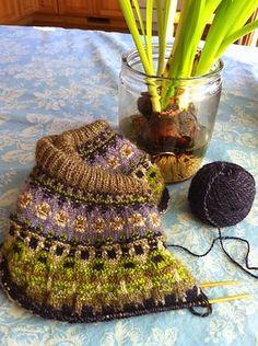 Name Green Shimmer Pattern The Blue Shimmer Yoke Pullover by Anna-Lisa Mannheimer Lunn Fair Isle Knitting Patterns, Sweater Knitting Patterns, Lace Knitting, Knitting Stitches, Knitting Designs, Knitting Projects, Knit Crochet, Stitch Patterns, Crochet Patterns