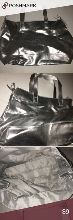Metallic purse! MAJOR SALE ❤️💋😘 Super cute purse! Metallic color. Two bows. Never used. Bags Totes
