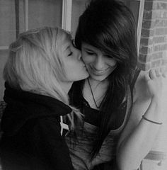 Girls Hot lesbian emo