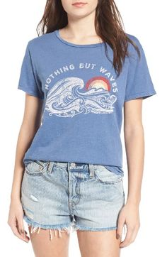 Free shipping and returns on Billabong Hawaii Waves Graphic Tee at Nordstrom.com. Celebrate the call of the ocean with this softly heathered cotton tee printed with a retro-cool waves graphic.