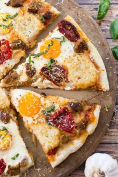 Easy Peasy Breakfast Pizza - the best way to enjoy breakfast for dinner and ready in just 30 min with turkey sausage, sundried tomatoes hash browns and basil!