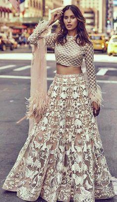 New Ideas For Indian Bridal Party Outfits Lehenga Choli Lehenga Designs, Indian Attire, Indian Ethnic Wear, Indian Style, Pakistani Dresses, Indian Dresses, Party Kleidung, Party Wear Lehenga, Dress Party