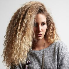 If you find it challenging to retain moisture in your hair because of high porosity, here are tips to keeping dry, brittle hair at bay. 3a Curly Hair, Coily Hair, Curly Hair Styles, Natural Hair Styles, Blonde High, Blonde Dye, Diy Hair Treatment, Hair Treatments, Hair Conditioning Treatment