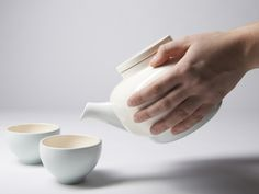 Sunday Buzz: Tea-Set Touch by Inge Kuipers