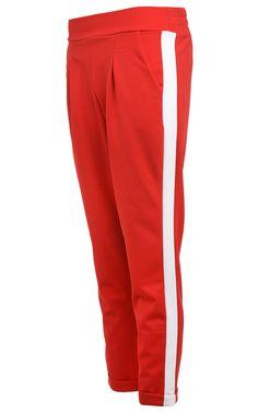 e8eba2209e2 Červené kalhoty s pruhem Hailys  kalhotyskapsami  bilypruh