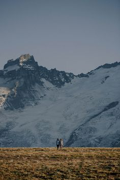 Stylish-Mountain-Engagement-at-Mount-Rainier-National-Park-Robert-J-Hill-Photography (9 of 22)