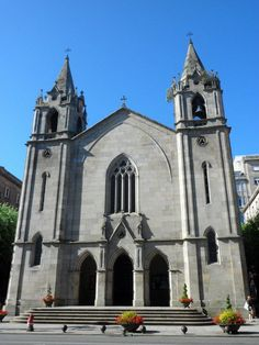 Arquitectura religiosa en el centro de Vigo: Iglesia Santiago de Vigo.
