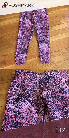 Calvin Klein workout leggings Excellent condition Calvin Klein Pants Leggings