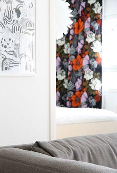 marimekko hunajaista Marimekko, Tapestry, Curtains, Shower, Prints, Design, Home Decor, Hanging Tapestry, Rain Shower Heads