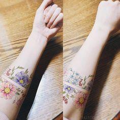 ∥arm band design, example image∥  .  .  .  #illust #예시 #tattoosdesign #wonseok #tattooist #armbandtattoo #tattoos #포토샵 #photoshop #colortattoo #watercolortattoos #tattoosample #minitattoo #tattoodesign #라인타투 #타투디자인 #팔타투 #타투이스트 #대학로 #타투이스트원석 #flower #일러스트 #linetattoo #수채화타투 #혜화역타투 #타투 #Artship #대학로타투 #꽃타투