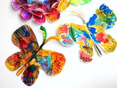 how to make beautiful, fluttering paper plate butterflies with kids