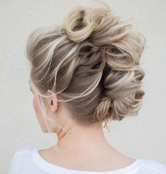 Hair and Beauty: Curly Braided Faux Mohawk Updo Mohawk Updo, Mohawk Hairstyles, Pretty Hairstyles, Wedding Hairstyles, Braided Mohawk, Faux Hawk Updo, Twisted Updo, Wedding Updo, Latest Hairstyles